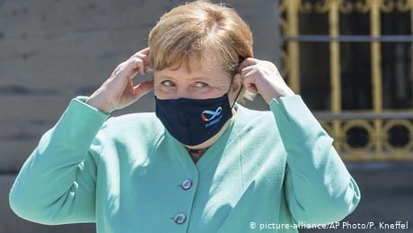 Agreement on EU coronavirus rescue fund deadlocked ahead of summit