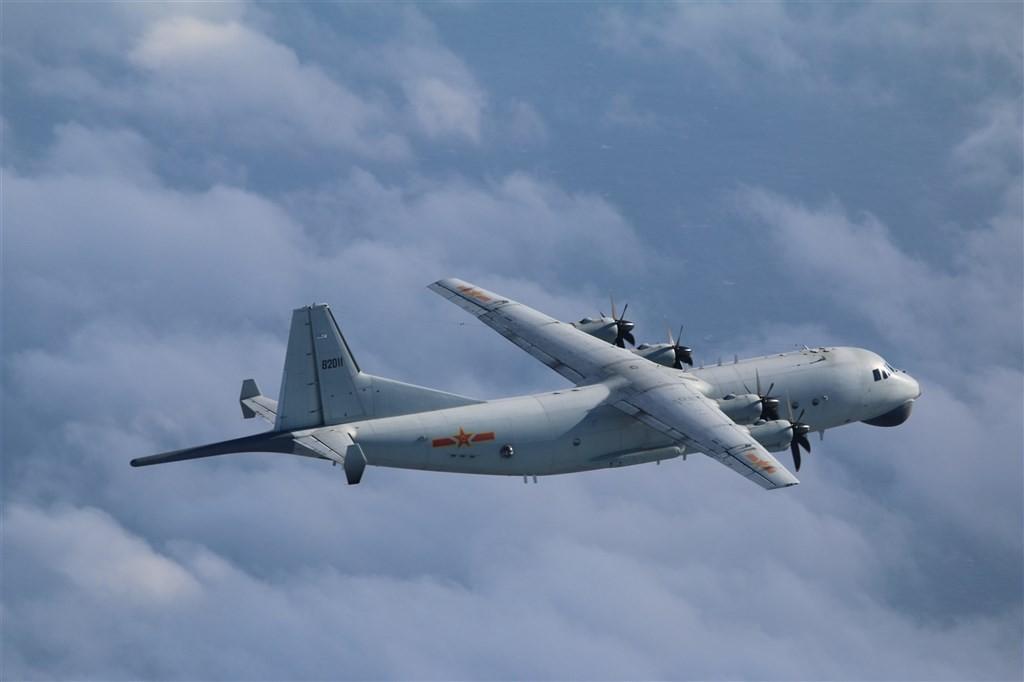 A Y-8 warplane (Ministry of National Defense photo)