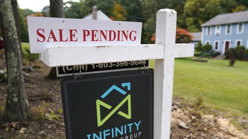 A real estate sign in the U.S. state of New Hampshire