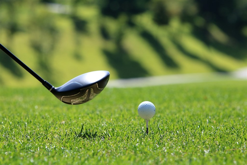 A China Airlines pilot faces disciplinary action for playing golf during his quarantine period (Pixabay image)
