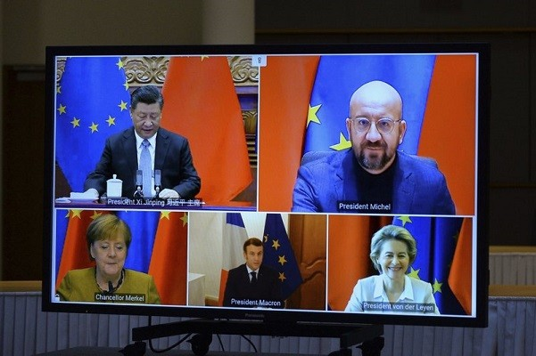 Chinese leader Xi (top left), EU Counsel President Michel (top right), EU Commission President von der Leyen (bottom right), French President Macron (...