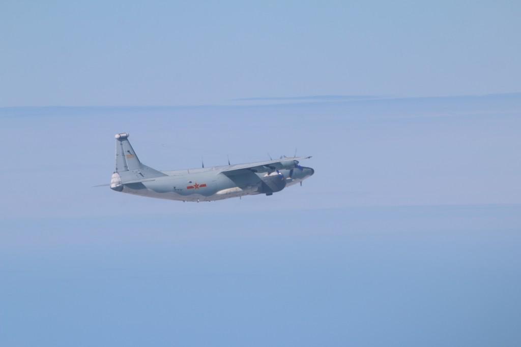 Chinese Y-8 EW on Jan. 17 (MND photo)