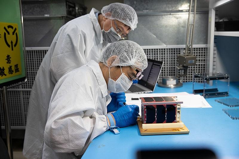 台灣立方衛星「飛鼠」、「玉山」24日晚在美國發射升空 海外地面站已收到訊號