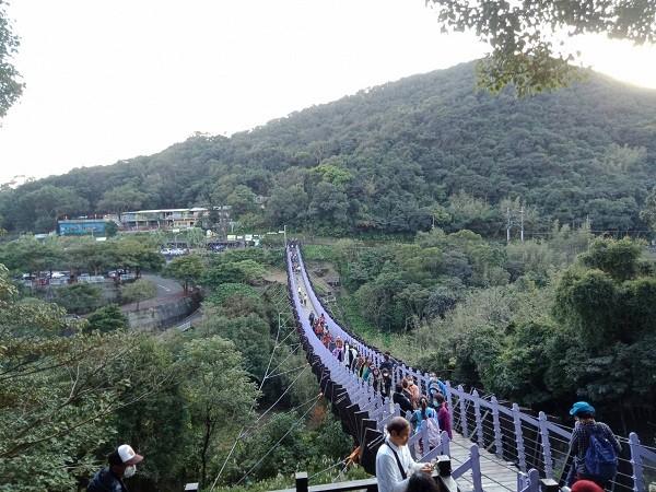 Strawberry season in Taipei's Neihu ripe for hikes, fruit-picking