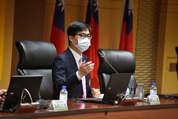 Kaohsiung Mayor Chen Chi-mai warns against taking the law into one's own hands.