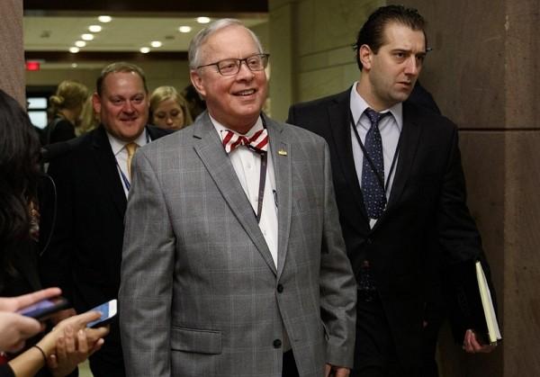 U.S. Congressman Ron Wright died of coronavirus on Sunday.