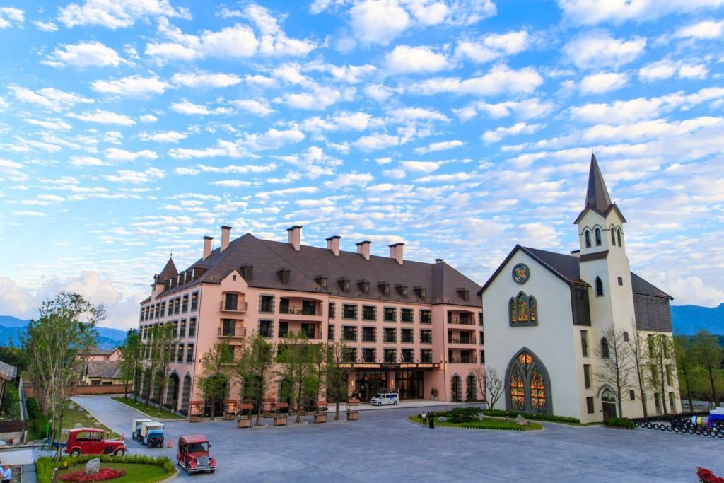 瑞穗天合國際觀光酒店推出「樂齡泡湯遊一泊三食住房專案」