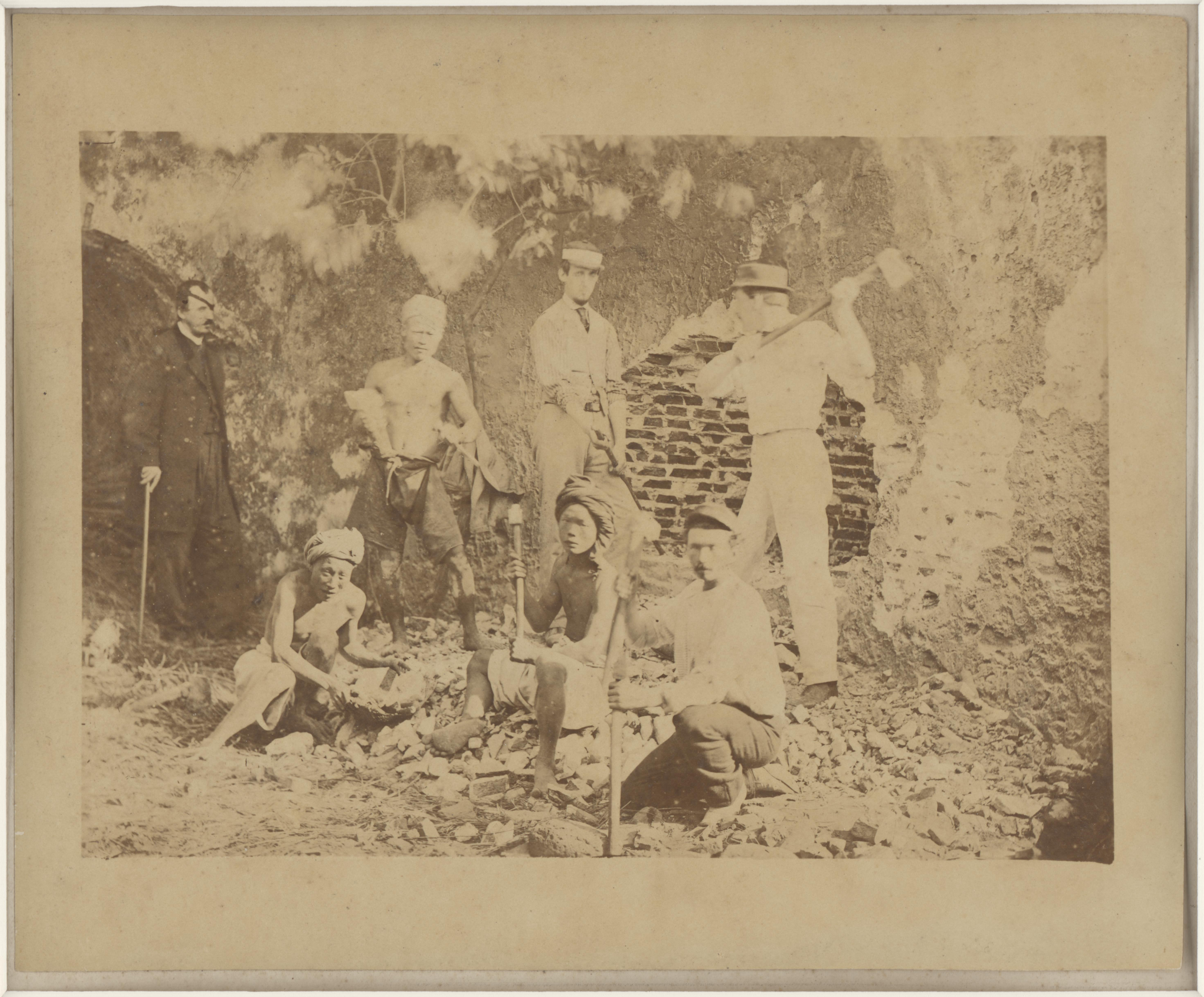 St. Julian Hugh Edwards是最早旅台的拍攝者(圖/〈挖掘熱蘭遮城〉/國家攝影文化中心)