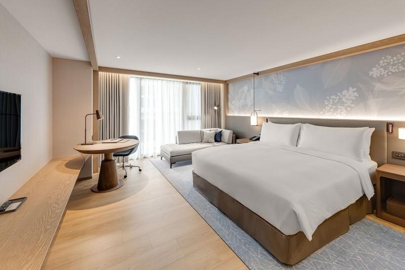 按出生年打折!  台北中山九昱希爾頓逸林酒店推「倚老賣老住房優惠」