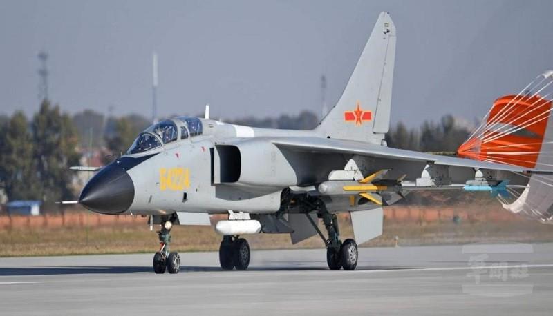 中共殲轟-7戰機 (空軍司令部.軍聞社)