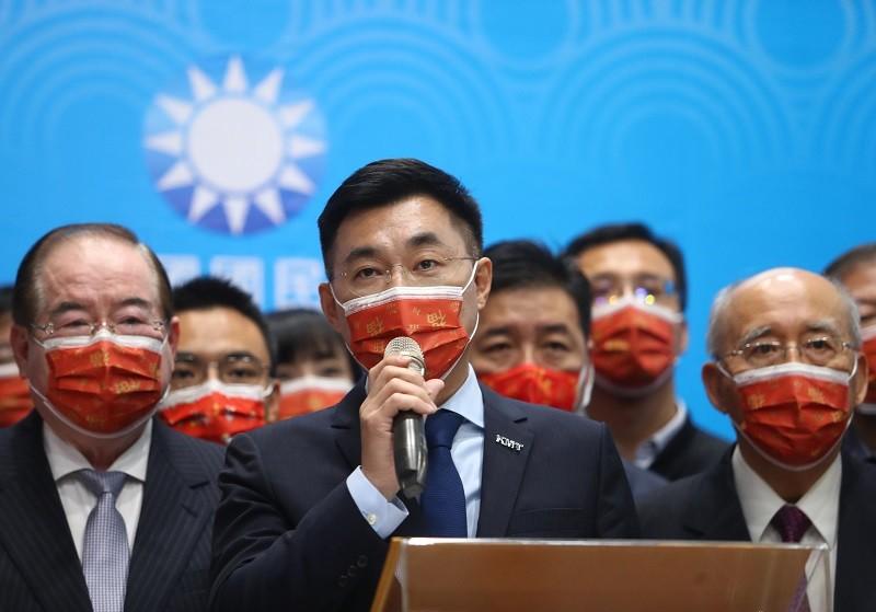國民黨17日舉行新春團拜,黨主席江啟臣(前中)發表新春談話。中央社資料照片
