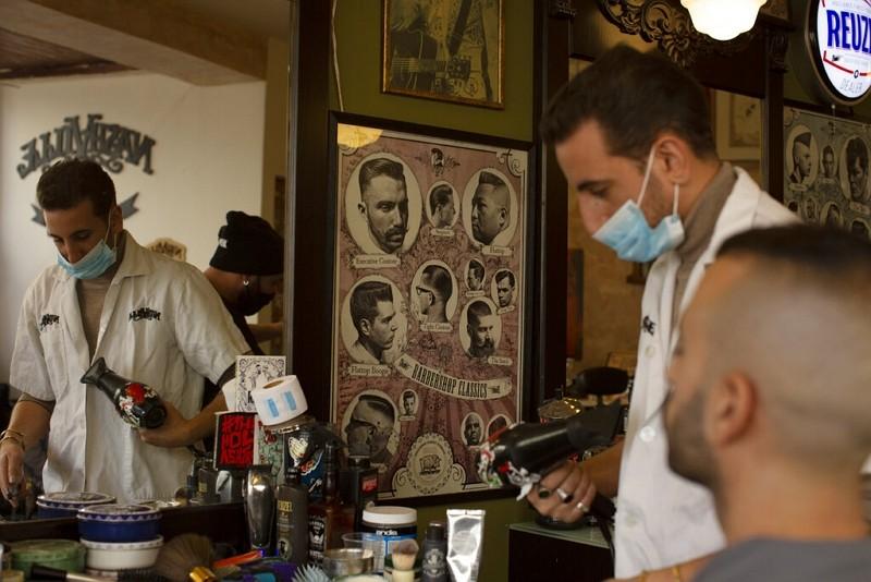 以色列放鬆禁令,理髮廳重新營業(圖/美聯社)