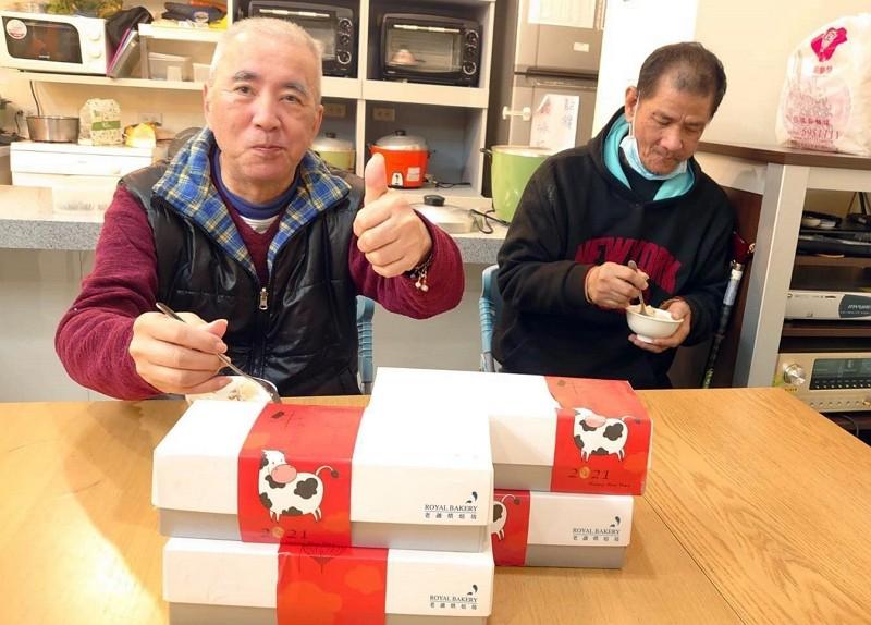 台北老爺元宵送暖 蘿蔔糕捐贈弱勢銀髮族群