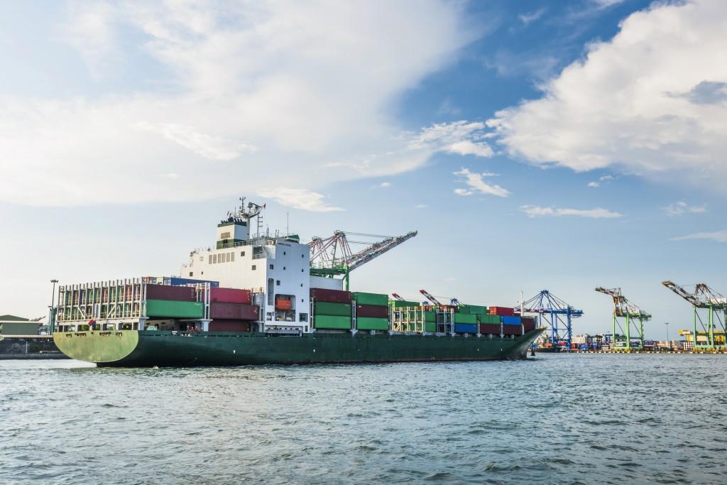 集裝箱船在臺灣高雄港。 (圖片來源:GettyImages)
