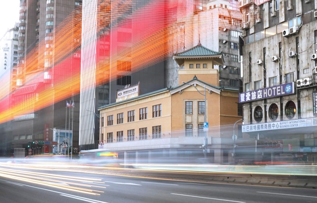 國家攝影文化中心台北館首檔國際展覽「塵與時:從宇宙到居所」作品於8日亮相(圖/國家攝影文化中心)