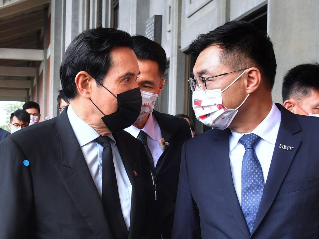 Former PresidentMa Ying-jeou (left), KMT ChairmanJohnny Chiang
