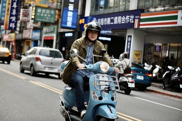 Keelung Mayor Lin Yu-chang embarks on 700-kilometer north-to-south scooter trip. (Lin Yu-chang photo)