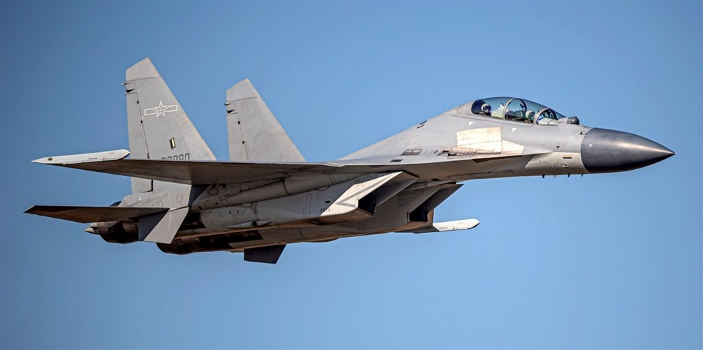 A J-16 fighter jet (Ministry of National Defense photo)