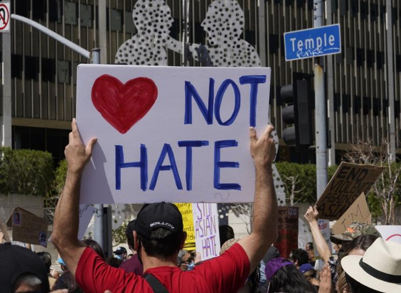 全美60個城市遍地開花出現示威遊行,訴求終止針對亞裔美國人的仇恨歧視(圖/美聯社)