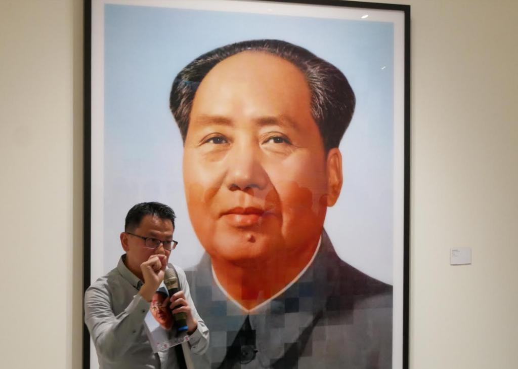 德國攝影師台灣展出經典作 《中國樣板畫》操弄影像玩味理想世界