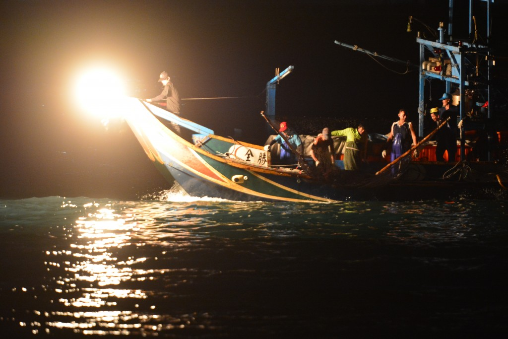最年輕火長校園巡迴傳承蹦火漁業文化
