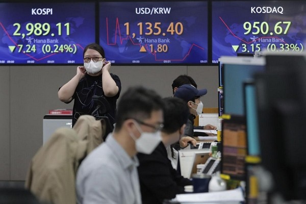 Asian stocks poised for first monthly loss since Oct on bond rout