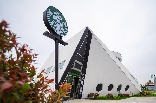Cruise ship-shaped Starbucks to open in Taiwan