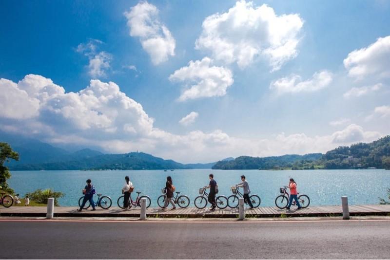 Cycling at Sun Moon Lake (Sun Moon Lake National Scenic Area photo)