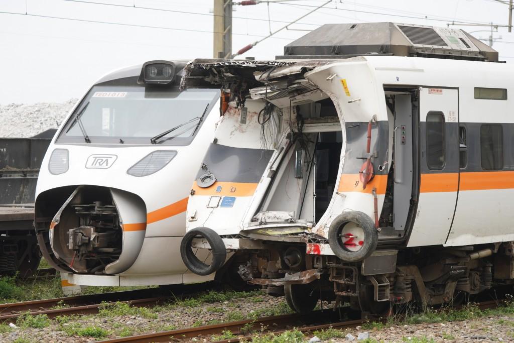台鐵太魯閣號408次列車2日發生重大傷亡事故,共造成49死、211傷。