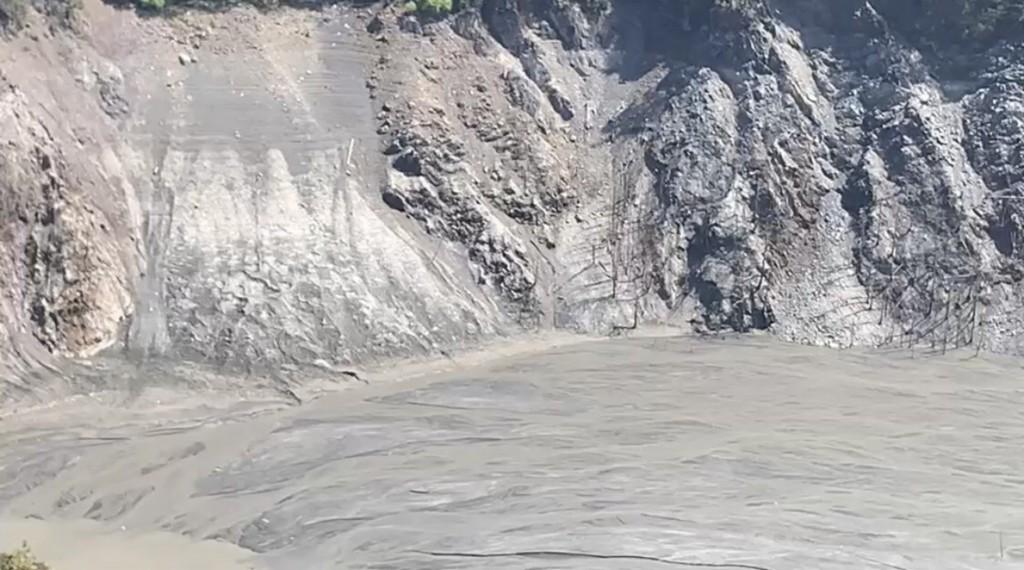 中台灣德基水庫水位持續探底•河床裸露、只能撐23天 經濟部:「供5停2」不影響產業界