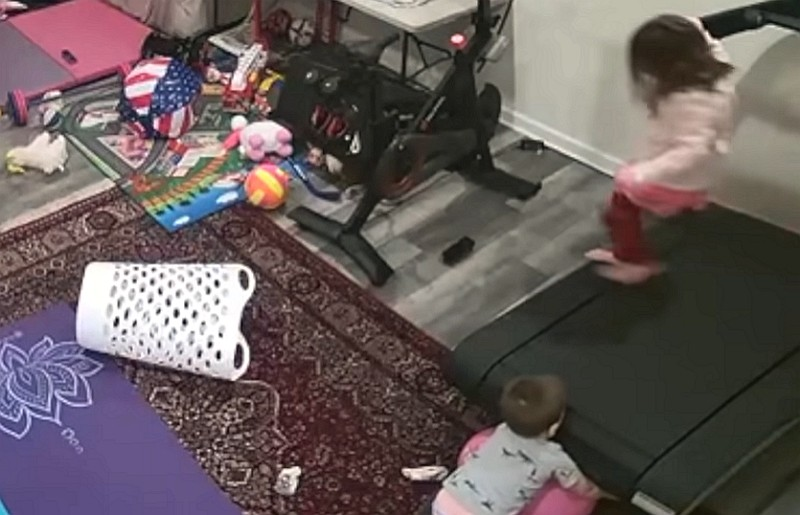 Peloton使用意外,孩童被捲入(YouTube 截圖)