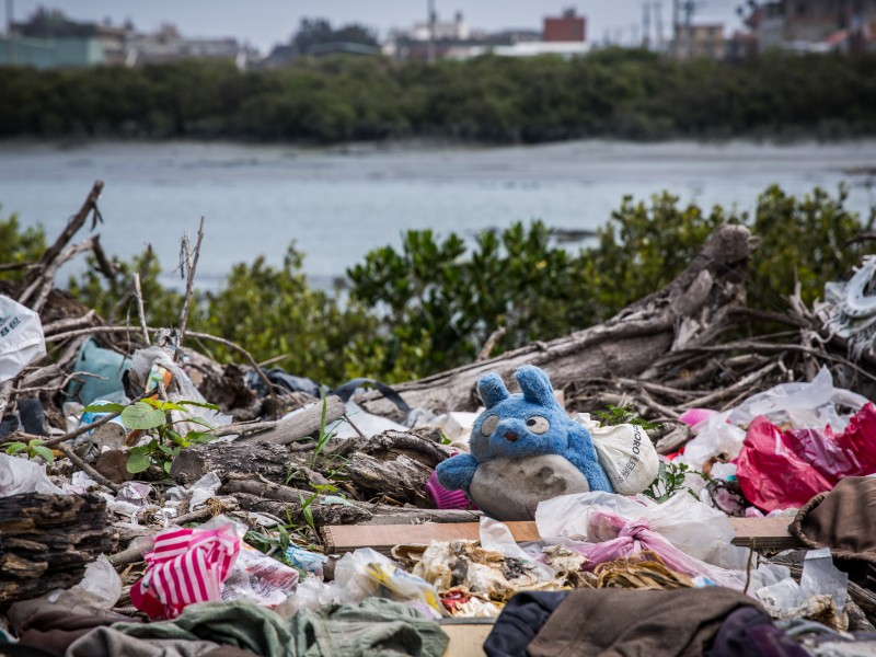 Trash density on Taiwan's west coast reaches 102 kg/km2 (Business Today photo)