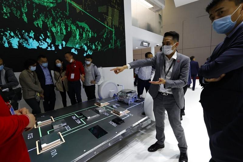 上海車展華為系統展示(圖/美聯社)