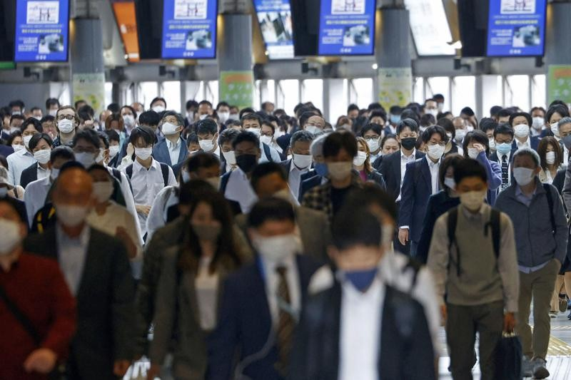 Japan is set to expand and extend a state of emergency in Tokyo and other areas through May 31 as the coronavirus continues spreading and uncertainty ...