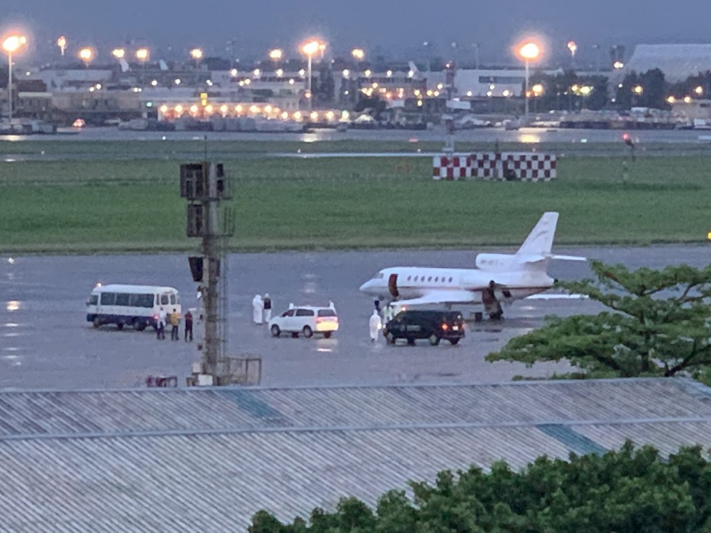 A private plane carrying two Taiwanese diplomats infected with COVID arrived from India Saturday evening