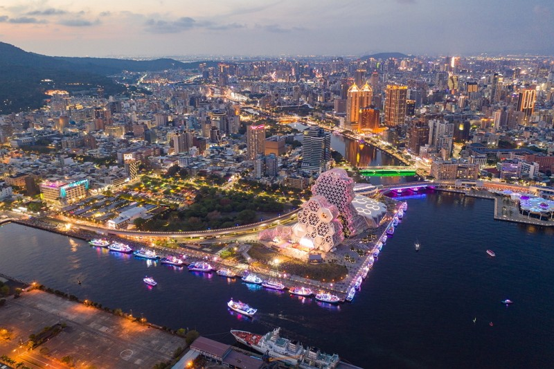 Kaohsiung at night (Kaohsiung City Government photo)