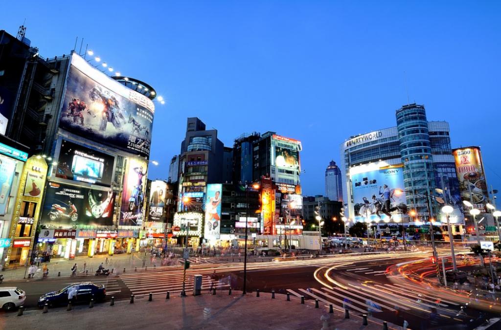 台北市自即日起至6月8日,室內100人以上、室外500人以上活動停辦。(圖/維基百科)