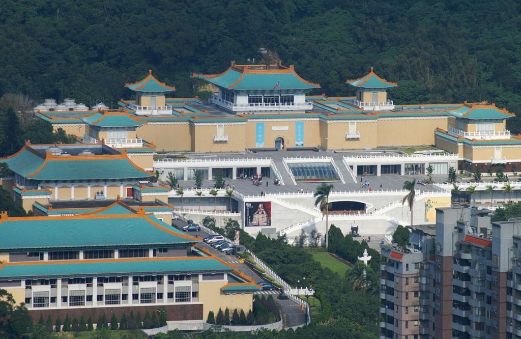 台灣故宮防疫措施升級!將延期舉辦5月16日南院馬拉松、5月18日北院三希堂開幕表演。(圖/維基百科)