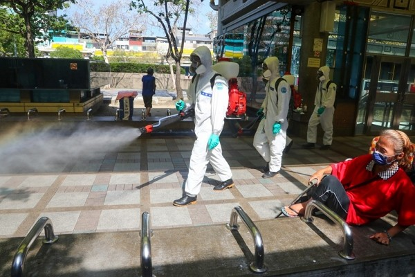 Sanitization workers sent to disinfect areas in Taipei, New Taipei after surge in domestic COVID-19 infections.