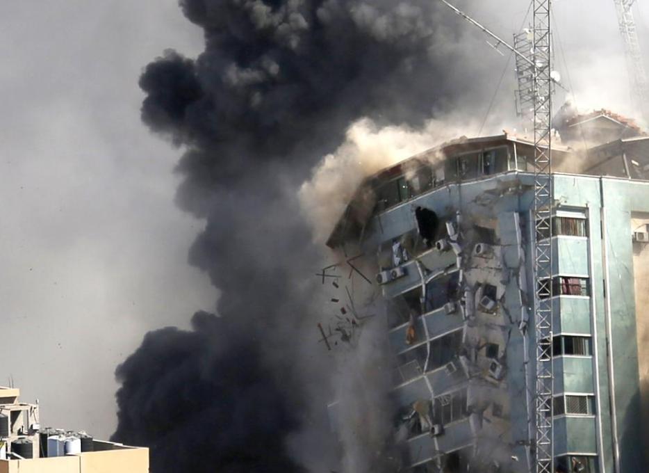 以色列今(16)日空襲加薩,造成至少33人喪生(圖/Associated Press)