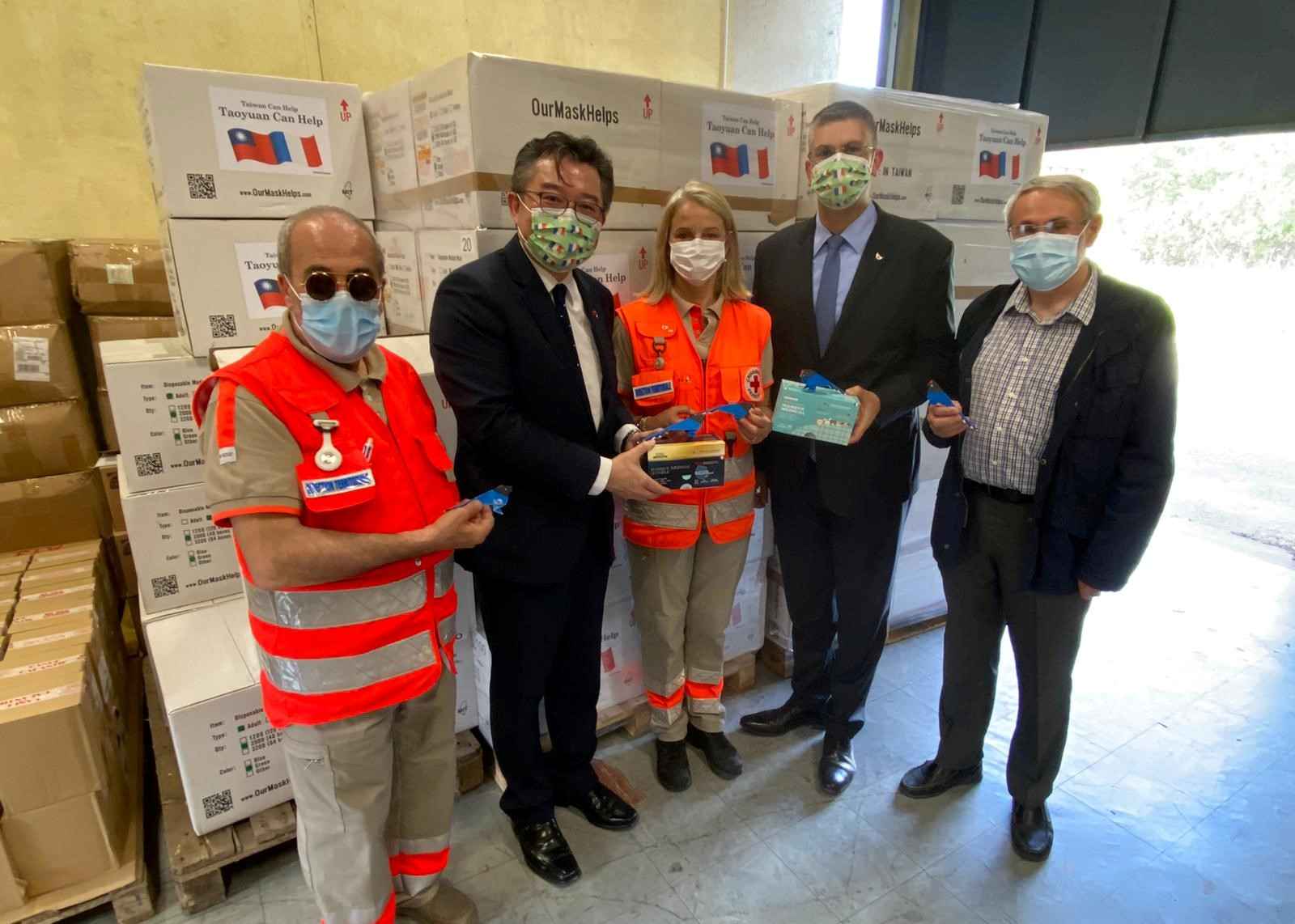 French Red Cross will distribute donated masks to disadvantaged groups in southern France. (Facebook, Taipei Representative Office in France photo)