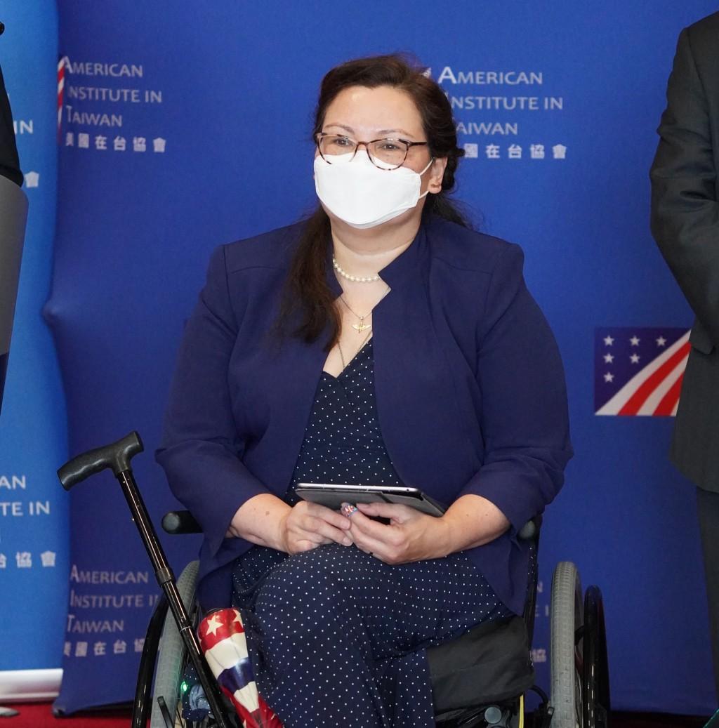 美國聯邦參議員達克沃絲等人今(6)日訪台,她致詞時表示,美國不會拋下台灣孤軍奮戰。