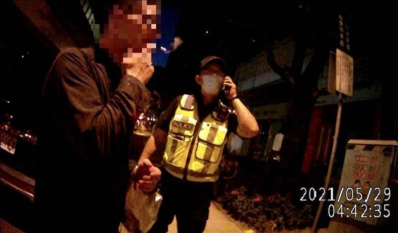 American arrested in central Taiwan for refusing to wear mask 4 times