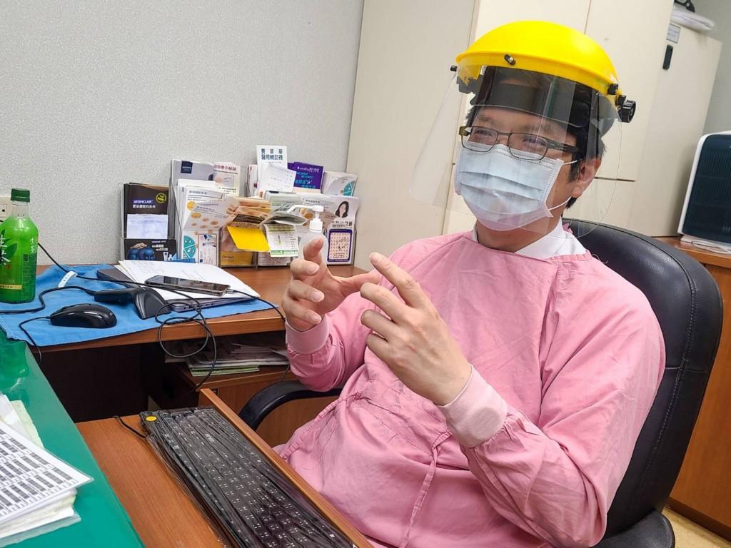 【報你知】台灣過敏族群應否施打武肺疫苗? 專科醫師: 有機會就盡快接種•AZ過敏風險比莫德納略低
