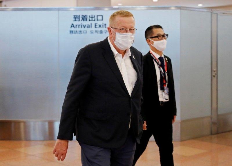 國際奧林匹克委員會(IOC)副主席柯茲(John Coates)今(15日)抵達日本。(圖/路透社)