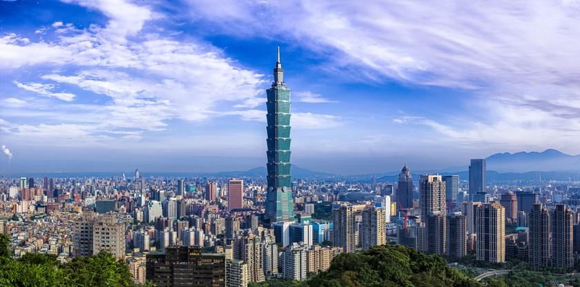 台北101今日證實一名專櫃人員確診新冠肺炎。(示意圖/Getty Images)