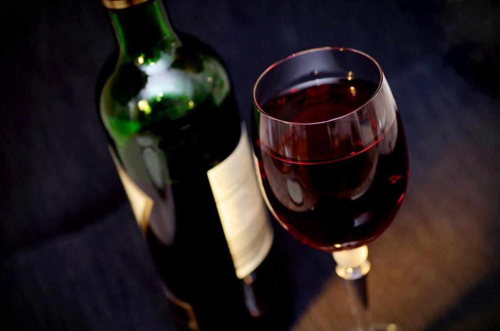 中國針對澳洲進口葡萄酒課徵反傾銷稅,為期5年,澳洲今告上世界貿易組織。(示意圖/Pixabay圖庫)