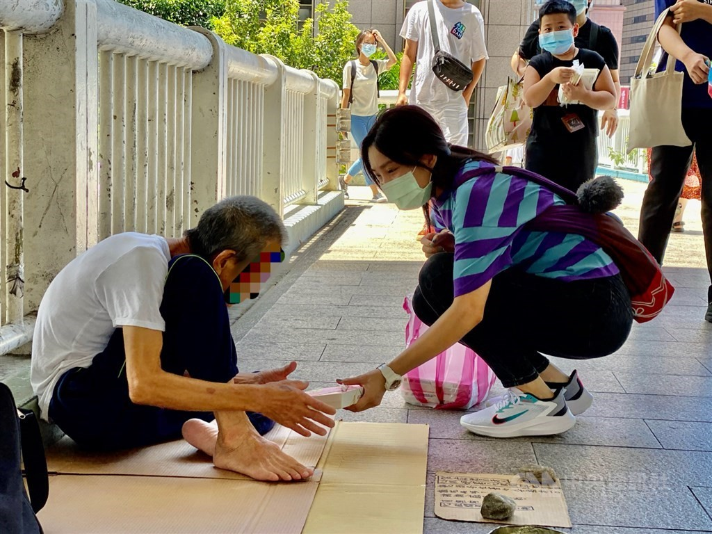 Taipei City estimates 700 homeless might be eligible for COVID inoculation