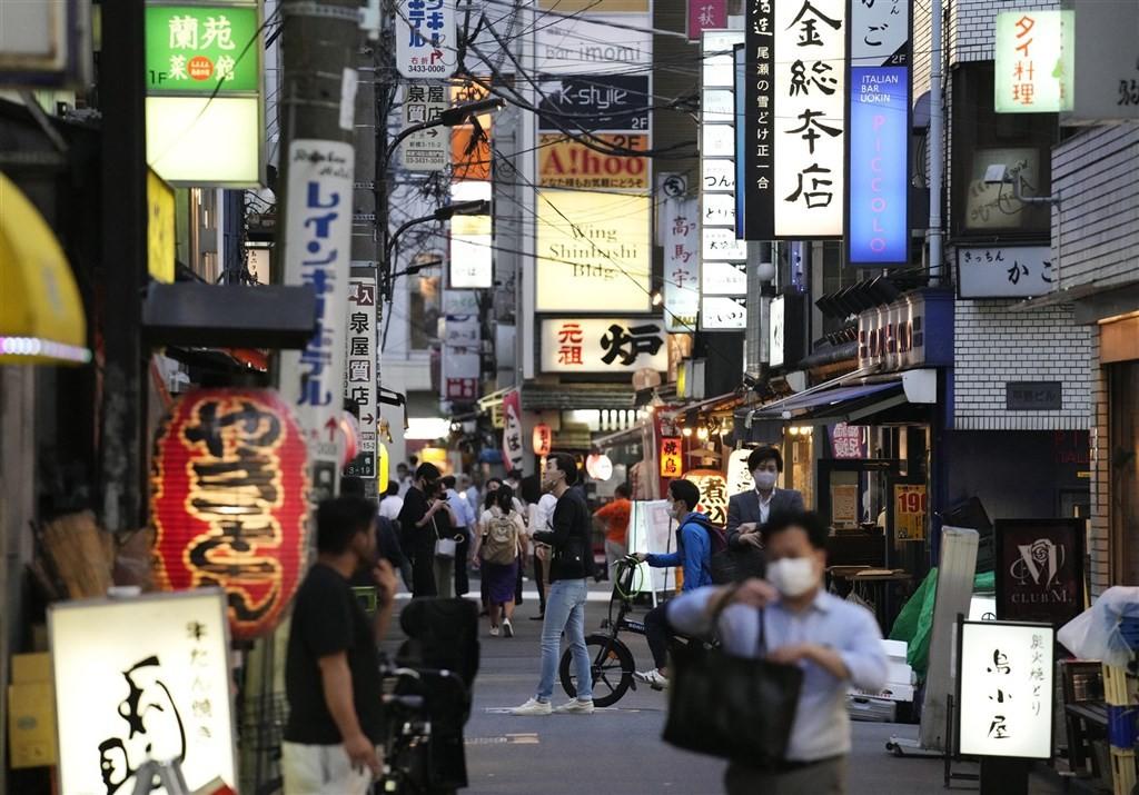 日本東京奧運開幕在即,東京都23日新增619例確診病例,為時隔近一個月來再次出現單日新增逾600例,疫情似乎出現反彈跡象。(圖/中央社)