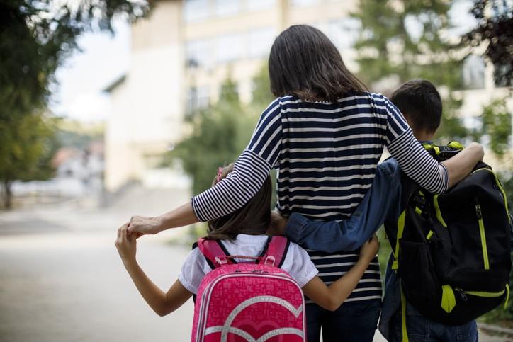教育部宣布,中小學延至 9/1開學。(示意圖/Getty Images)